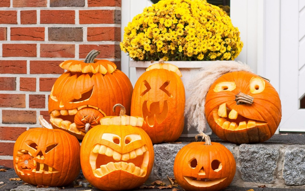 6917075-funny-halloween-pumpkins